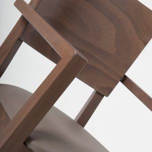 Armlehne Holzstuhl 12466 Luxor detailansicht Rückenlehne Polster