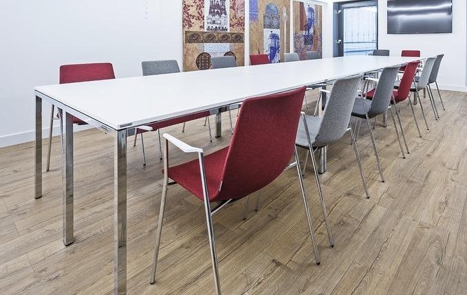 clip Tisch mit Vierkantrohrgestell Impressionen Kantinenmöbel