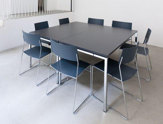 Mehrzweckstuhl outline Stapelstuhl Reihenstuhl Verkettung, optimal für die Kantine
