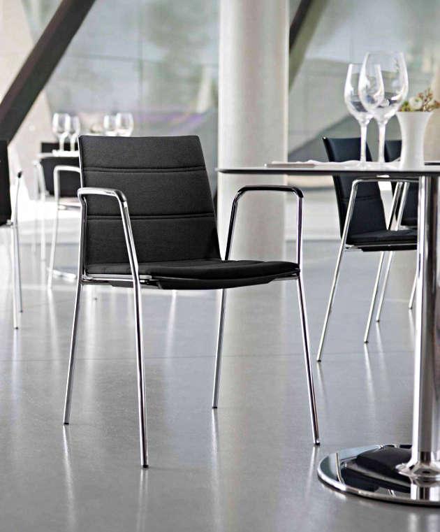 update bistro Kantinenstuhl schwarz Armlehnen Kantinenausstattung Betriebsrestaurant