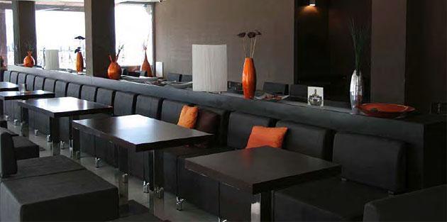 Quadratische Tischsäule Kantinentisch XT Säulentisch Kantineneinrichtung