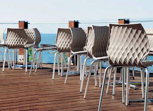Kunststoffschalenstühle Vierfuss Outdoorstuhl Kantinenmoebel Aussenbereich Innenbereich