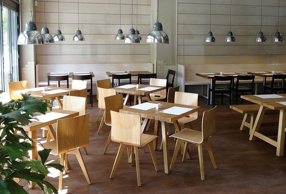 Schalenstuhl anne lotte aus massivem holz kantinenmoebel for Schalenstuhl design
