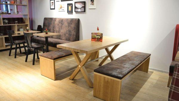 Kantinentische Holzgestell Tischgroesse Tischmaße Kantineneinrichtung