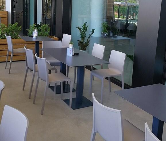 Schalenstuhl Außenbereich, abwaschbar, klar gerade